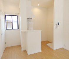 2階のキッチン・洗濯スペースを見る