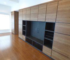 連続性を出したTV用家具と収納
