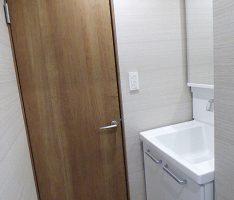 洗面所とドア、クロスの関係