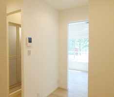洋室と洗面スペースの関係