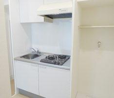 キッチンサイドには洗濯機置き場