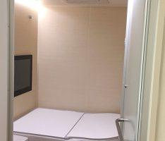 浴室ドアを開ける<LIXIL>スパージュ 1620